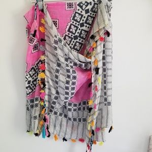 Echo pink and black square cotton tassel scarf